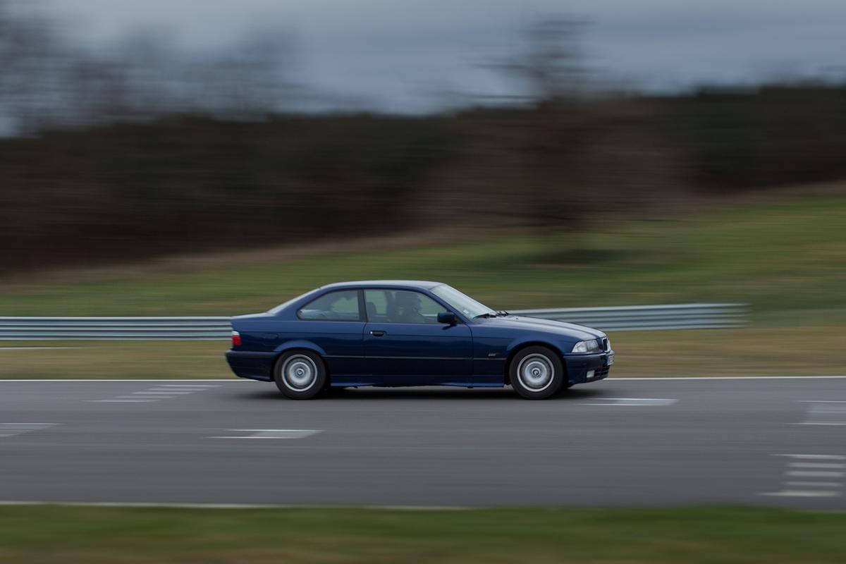Depuis trois ans, le nombre de morts sur les routes françaises est reparti à la hausse. www.twin-loc.fr/Flickr, CC BY-SA