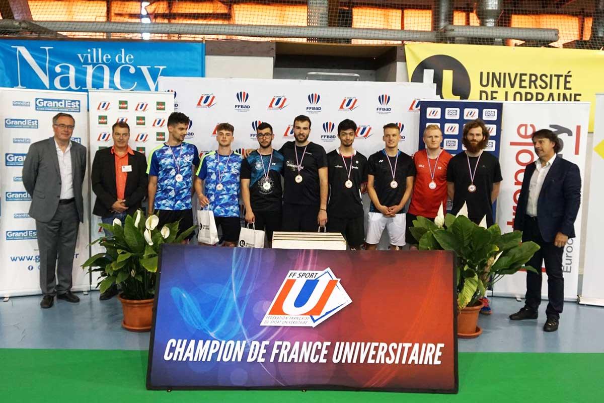 champion-universitaire-badminton