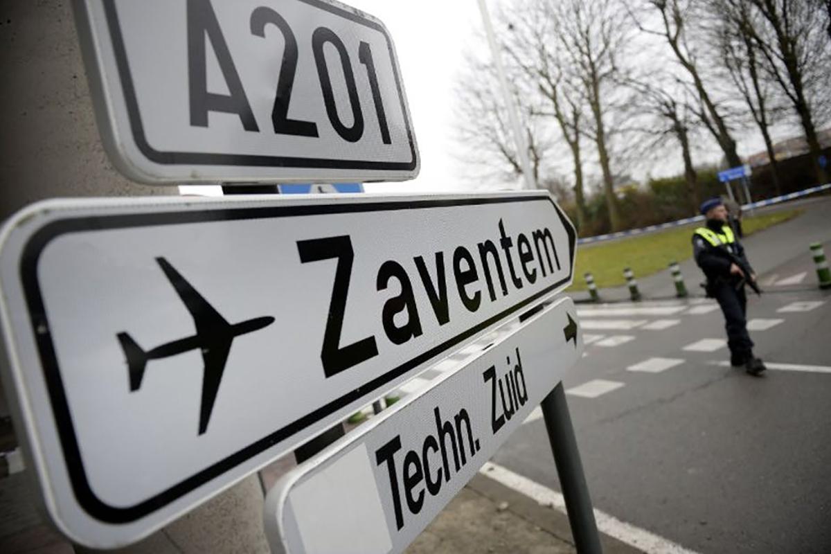 L'aéroport de Bruxelles cible des terroristes du 22 mars. Yorick Jansens/AFP