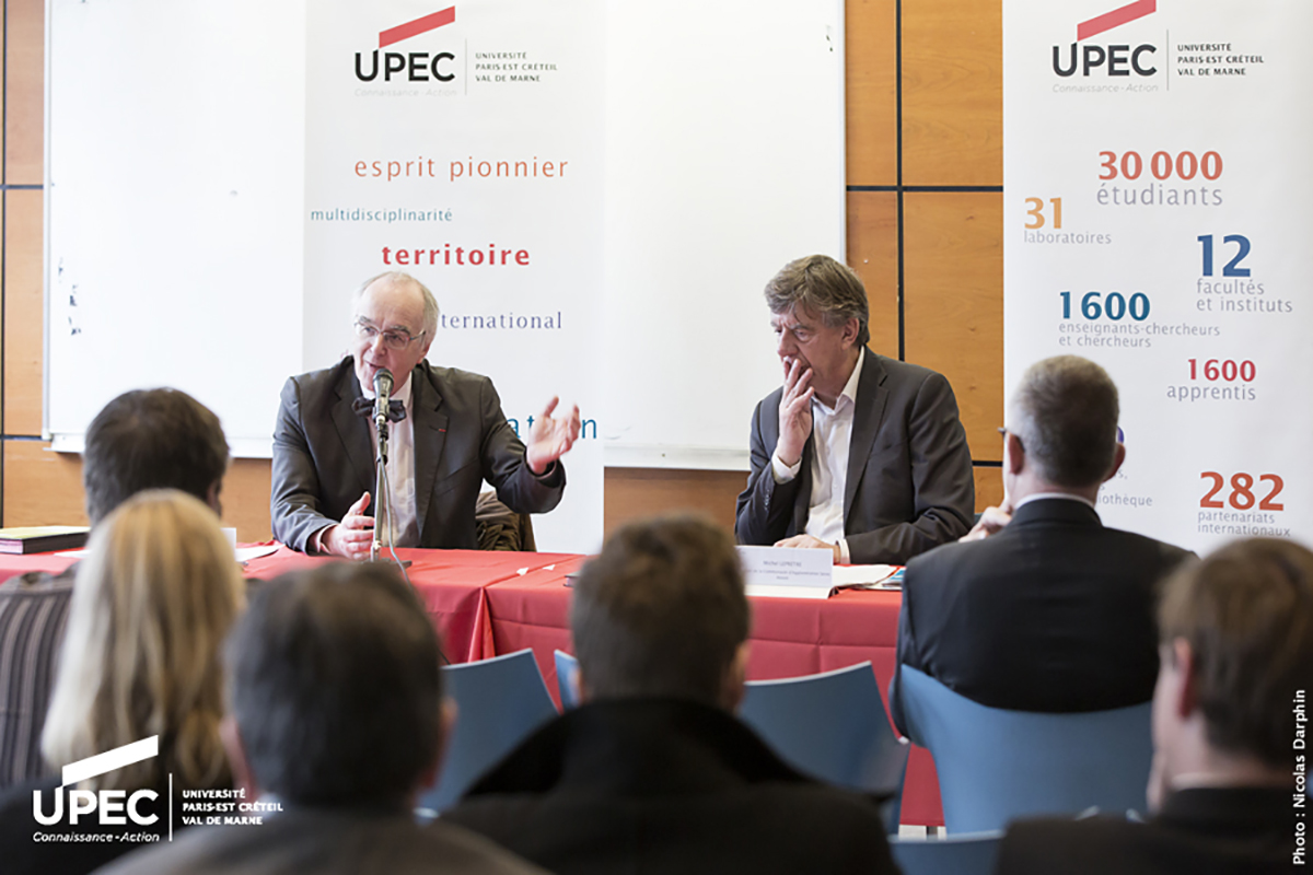 Signature de convention UPEC-CASA