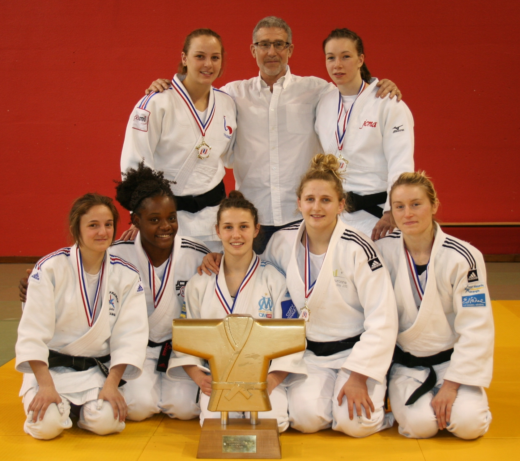 Judo : l'équipe féminine de l'UPEC remporte les championnats de France universitaires 2015 !